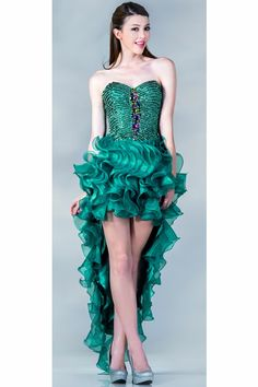 Enjoy this post of winter formal dresses 2018 high low! This post is all about winter formal Winter Formal Dresses, Semi Formal Dresses, Prom Dresses Blue, Homecoming Dresses, Strapless Dress Formal, Nice Dresses, Prom Gowns, Green Evening Gowns, Women's Evening Dresses