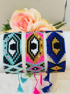 Handmade jewelry made of resin glass. Beaded Bracelet Patterns, Peyote Patterns, Weaving Patterns, Handmade Silver, Handmade Jewelry, Evil Eye Bracelet, Brick Stitch, Loom Beading, Etsy Handmade
