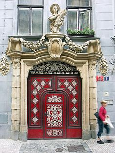 Grand Entrance, Entrance Doors, Doorway, Victorian Architecture, Architecture Details, Beautiful Architecture, Cool Doors, Unique Doors, Porte Cochere