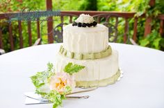 #WeddingCake #CountryCake #DericoPhotography #HusumHighlandsB&B @dericophoto