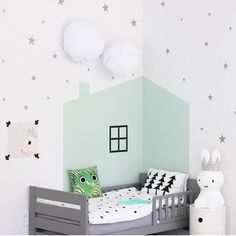 Mini Silver Stars Wall Decals - Konfetti Silver Star Decals - Silber Wall Decal Aufkleber - Set von 60 Sternen - Little Star Decals - Star Decor - Decoração parede quarto - Kinderzimmer Baby Bedroom, Kids Bedroom, Bedroom Decor, Bedroom Ideas, Unicorn Bedroom, Bedroom Black, Nursery Ideas, Lego Bedroom, Bedroom Rugs