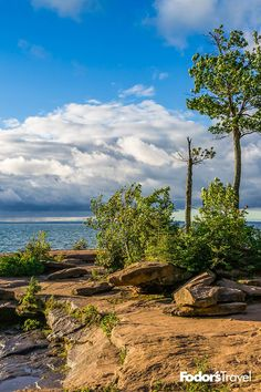 Wisconsin's Madeline and Apostle Islands on Lake Superior offer just about everything but palm trees. Summer Travel, Us Travel, Travel Tips, Lake Superior, Lakes, Palm Trees, Kayaking, Wisconsin, North America