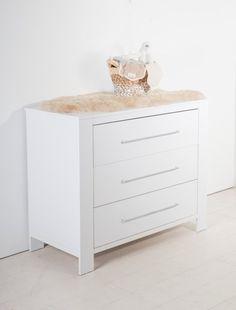 Cabino Babykamer Noel 2-delig prijzen vergelijk je op Vergelijkprijs.nl Changing Pad, Changing Unit, Changing Table Topper, Wood Species, Types Of Wood, Washing Basket, Bath Seats, Indoor Air Quality, Drawers