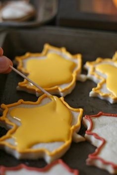 Icing cookies with royal icing