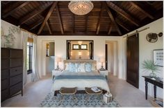 luxury villa design bedroom tropical with sliding barn door tropical window treatment accessories Tropical Master Bedroom, Tropical Bedrooms, Tropical Home Decor, Tropical Interior, Master Bedroom Design, Master Suite, Master Bathroom, Villa Design, House Design