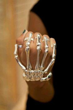 Jewelry para  la Dia de los Muertos. .