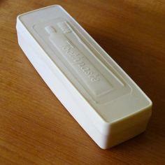 Vintage Toothpaste & Toothbrush Travel Box in Ivory Plastic by Trend c.1960s