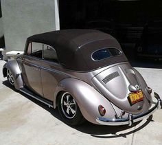Cabrio Vw, Vw Racing, Vw Beetle Convertible, Vw Cars, Vw Beetles, Cars And Motorcycles, Luxury Cars, California, Simile