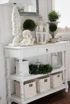.great shabby chic vignette
