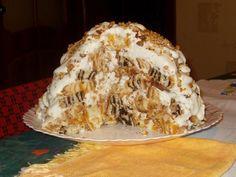 """ТОРТ ХАОС. """"Изюминка"""" этого торта в том, что его можно приготовить заранее, так как на второй день он вкуснее, а на третий вообще бесподобен. Торт большой получается, попроюуйте оязательно!  Ингредиенты:сметан…"""