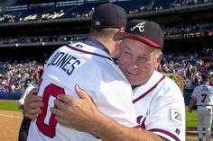 Atlanta Braves (former) manager Bobby Cox hugs Chipper Jones. We miss you, Bobby Cox! Braves Baseball, Baseball Players, Baseball Stuff, Baseball Season, Hockey, Tomahawk Chop, Jones Baby, Chipper Jones, Atlanta Braves