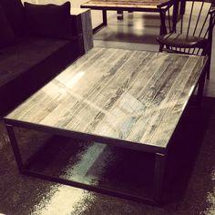 #manogri stuebord med grå #gjenbruksmaterialer fra 1880. (Med glass) #håndlagetavoss #barefordeg #bærekraftig #kortreist www.drivved.no