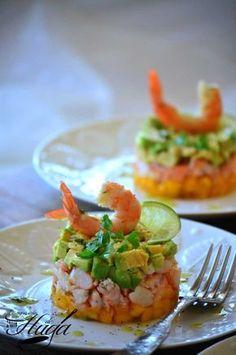 Tartar de langostino, mango y aguacate – Las mejores recetas de Huga - Salat Seafood Recipes, Cooking Recipes, Healthy Recipes, Mango Recipes, Good Food, Yummy Food, Peruvian Recipes, Appetisers, Food Print