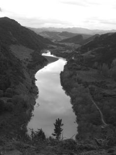whanganui river Hidden Places, Kiwiana, My Land, New Zealand, Art Projects, Places To Visit, Coast, Outdoors, River