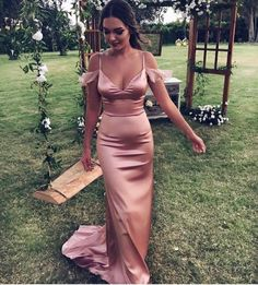 New Maid of Honor Dresses Rose Gold Mermaid Bridesmaid Gowns Sexy Spaghetti Straps V-neck Formal Wedding Guest Dress - Prom Dresses Design Blush Prom Dress, Mermaid Bridesmaid Dresses, Bridesmaid Dresses Online, Sweetheart Prom Dress, Mermaid Evening Dresses, Formal Evening Dresses, Dress Formal, Dusty Rose Dress, Rose Gold Long Dress