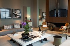Every elegance gray and wood. #elegant #comfortable #decor #interior #design #mostrablack #casadevalentina