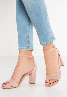 Pier One Riemensandalette - rose - Zalando. Lace Up Heels, Pumps Heels, Stiletto Heels, Pretty Shoes, Cute Shoes, Frauen In High Heels, Plastic Heels, Nude Sandals, Flat Sandals