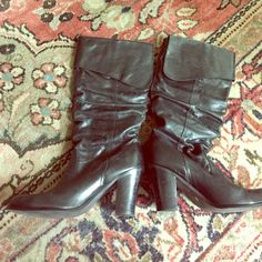 """Steve Madden black knee high leather boots Steve Madden black knee high leather boots no side zipper. Pull up boots 2.5"""" heel Steve Madden Shoes"""