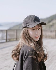 Girl with car Mode Ulzzang, Ulzzang Korean Girl, Wild Girl, Korean Fashion Trends, Pretty Asian, Foto Pose, Girl Swag, Kyushu, Look Chic