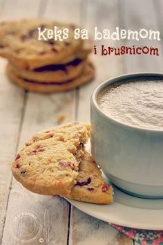 Cookies with almonds and cranberries