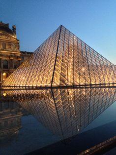 Musée du Louvre στην πόλη Paris
