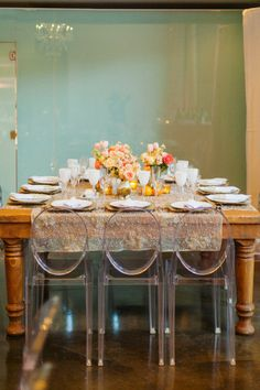 Victoria Ghost by Philippe Starck, for a scrumptios table!
