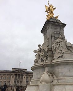 """""""No that's Buckingham Palace. Hogwarts is fictional. You do know that don't you? It's important to me that you know that."""" #Dublin2London #parksandlondon by britishauthor"""