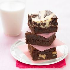 This Oreo Brownies Recipe is simply moreish with the addition of Oreo biscuits.