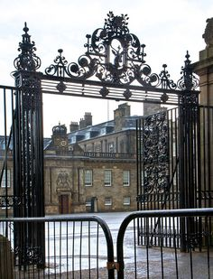 Holyrood Palace, Edinburgh ~ I went here during my honeymoon to England and Scotland ~ 20 years ago