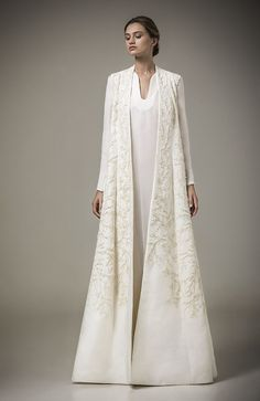 MaySociety — Ashi Studio Ready-to-Wear Caftan 2016 Collection Abaya Fashion, Modest Fashion, Fashion Dresses, Ashi Studio, Bridal Hijab, Bridal Gowns, Islamic Fashion, Abaya Style, Mode Style