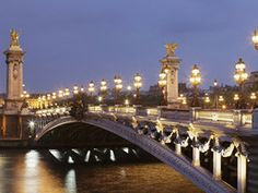 Enjoy one of Paris� most scenic nighttime walks -- a stroll from Les Invalides over the Pont Alexandre III bridge.