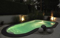 Piscine enterrée, Cléa, 7,00m x 4,00m x 2,00m, escalier Pacio, liner Marbré Gris Swiming Pool, Swimming Pools Backyard, Swimming Pool Designs, Liner Gris, Mini Piscina, Outdoor Sauna, Mini Pool, Villas, Outdoor Spaces