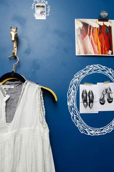 Sneak Peek Best of:  Blue   Sweet, spontaneous chalk/paint wreaths for special little things to hang on wall.