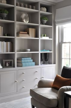 Interior Living Room Design Trends for 2019 - Interior Design Dresser In Living Room, Living Room Shelves, Living Room Storage, Interior Design Living Room, Living Room Designs, Built In Cupboards Living Room, Alcove Ideas Living Room, Living Room Units, Alcove Cupboards