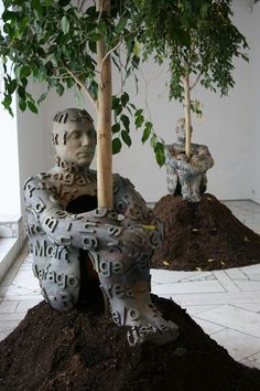 Spanish artist Jaume Plensa in Moscow Gallery - 'The Heart of Trees'