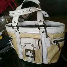 Coach Legacy Tote. Lehacy Straw tote. White leather tote bag  Side zip pockets Front snap pocket. Good shape. Coach Bags Shoulder Bags