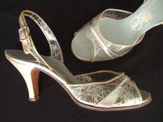 6966cdea57a Vintage 1950s shoes   50s clear vinyl silver Vintage Inspired Shoes