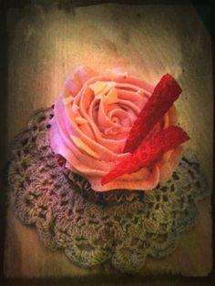 Estefania made the perfect strawberry cupcake!!!!