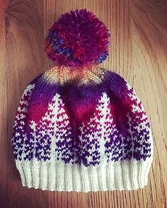 Inspired by Northern Lights in Alaska. Inspired by Northern Lights in Alaska. Knitting , lace processing is the most beautiful . Fair Isle Knitting, Loom Knitting, Baby Knitting, Yarn Projects, Knitting Projects, Crochet Projects, Knit Or Crochet, Crochet Hats, Knitting Patterns