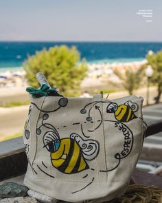 Bag painted with posca markers.#art #posca #markers #handmade #handpainted #bag #bee  #bees #ilovetobeehere #yellow  #photography #like #follow #artphotography #inspiration #greece #beeart #hellas #greekartist #thisisit #happy #worldofartists #instaart #photooftheday #sea #beach #summer #craft #diy #yellowlicious