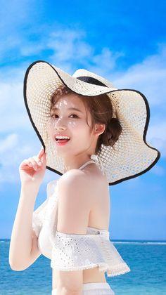 Sana-Twice 181229 Happy Birthday✨ Kpop Girl Groups, Korean Girl Groups, Kpop Girls, Sana Cute, J Pop, Chica Fantasy, Sana Momo, Sana Minatozaki, Twice Kpop