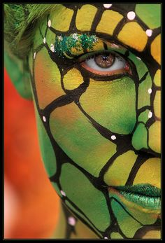 http://photo-art.digimkts.com  Click and discover how.  What a wealth of info.  Wow this is pretty amazing   hippie body art  !!  This is unlike anything Ive seen this is   !!  I never knew I could do this with a regular DSLR.