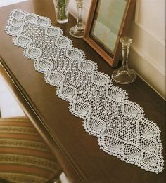 nice Free Crochet Table Runner Patterns Check more at…beautiful tablecloths crochet pattern ~ make handmade - handmade - handicraftmany free crochet patterns here pretty table runner by chrystalee - PIPicStatsBethSteiner: toalhas NTS lots of patter Hard Crochet Table Runner Pattern, Crochet Doily Patterns, Crochet Tablecloth, Thread Crochet, Filet Crochet, Crochet Designs, Crochet C2c, Crochet Curtains, Tatting Patterns