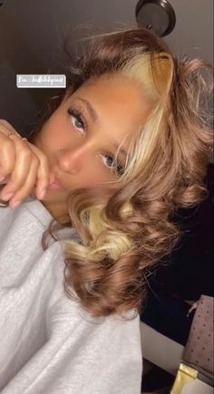 Blonde Hair Black Girls, Honey Blonde Hair, Hair Color For Black Hair, Weave Hair Color, Pressed Natural Hair, Dyed Natural Hair, Dyed Hair, Baddie Hairstyles, Pretty Hairstyles