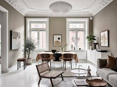 Now that fall weather seems to be all we are getting here in Munich, I'm really drawn to tints of brown and beige like in this stunning Swedish interior. The warm beige walls in the living room go very nicely … Continue reading → Wabi Sabi, Beige Walls, Living Room Colors, Decorating Small Spaces, Scandinavian Style, Interiores Design, Home Decor Accessories, Home Decor Inspiration, Cheap Home Decor