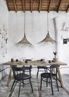 You don't have to limit yourself to decorating the inside of your home. Your patio and yard are extensions of your home, and have unique opportunities to allow you to express yourself and your sense of style. Decor, Modern Dining, House Design, Dining, Dining Table, Home Decor, Dining Room Inspiration, Boho Interior, Dining Room Spaces