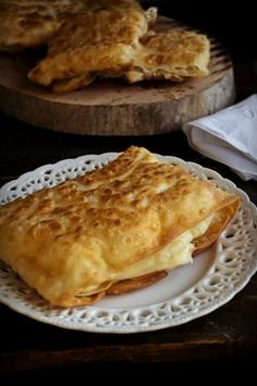 Σπιτική Τυρόπιτα Συνταγή Greek Desserts, Greek Recipes, Cypriot Food, Greek Pastries, Sauces, Greek Cooking, Savoury Baking, Pinterest Recipes, Mediterranean Recipes