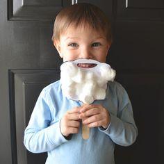 East Coast Mommy: Preschooler Craft {Santa Beard}