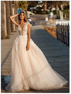 Lorie Boho Wedding Dress 2019 Lace Appliques Beach Bride Dresses Illusion Back Puff Tulle Wedding Gowns Backless Floor Length Tulle Wedding Gown, Lace Beach Wedding Dress, Backless Wedding, Sexy Wedding Dresses, Cheap Wedding Dress, Bridal Dresses, Dress Lace, Maxi Dresses, Lace Wedding