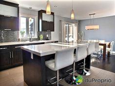 But white Decor Interior Design, Interior Decorating, American Kitchen, Small Space Kitchen, Cuisines Design, Open Plan Living, Modern Kitchen Design, Kitchen Interior, Kitchen Dining